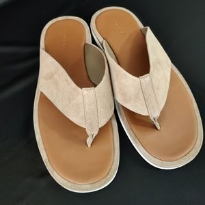 VINCE. IMPORTED SUEDE LEATHER THONG FLIP FLOPS 11